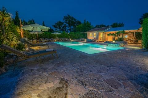 Charming villa with a designer pool near Pula