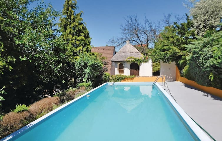 Holiday cottage with 3 bedrooms on 110 m² in Velence