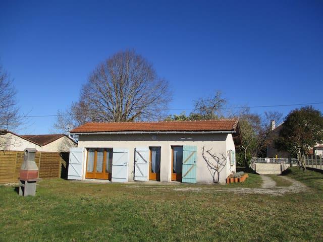 Gîte tout confort en Périgord vert (Dordogne )