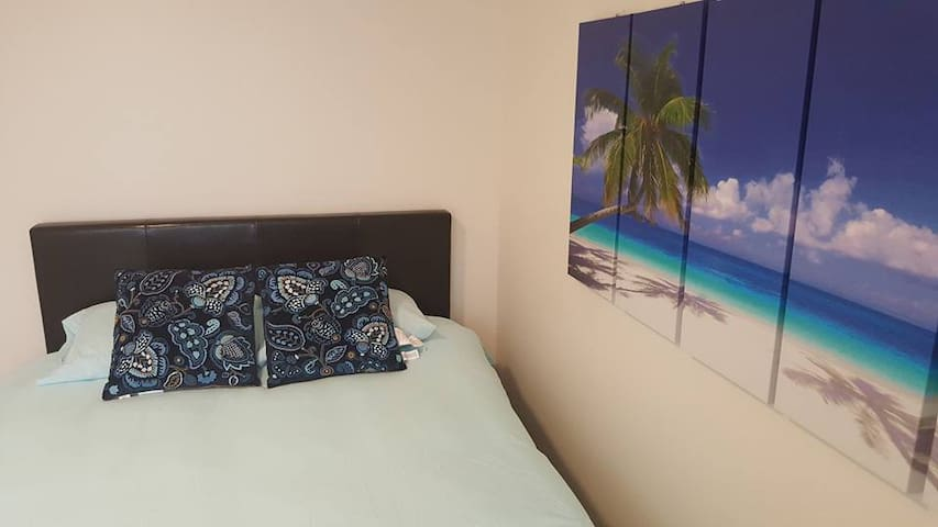 Super Furnished Room ! New Bed! Private~tranquil.
