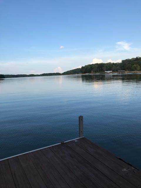 Amazing Lake Views and Fishing!