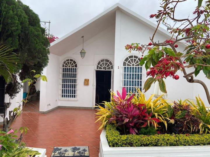 Salinas, Casa Familiar Renovada n Conjunto Privado