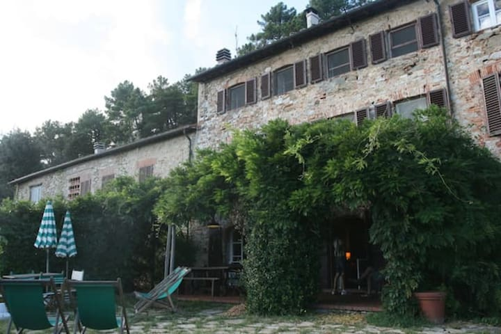 VILLA IL BASSO WITH POOL AND VIEW