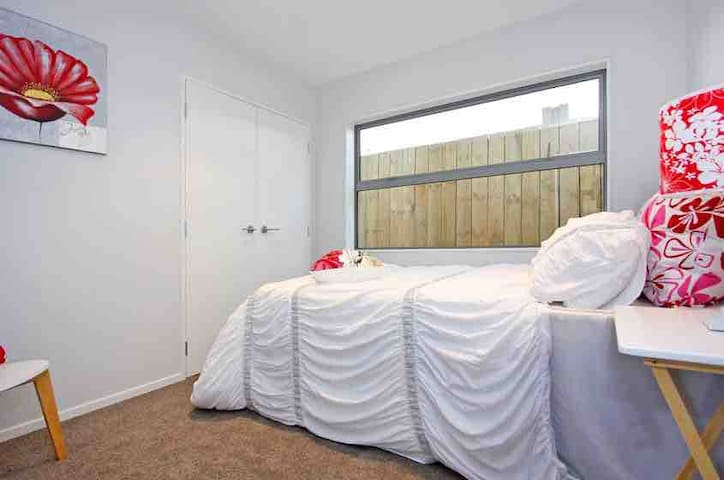 Cozy - Modern room in Mount Roskill