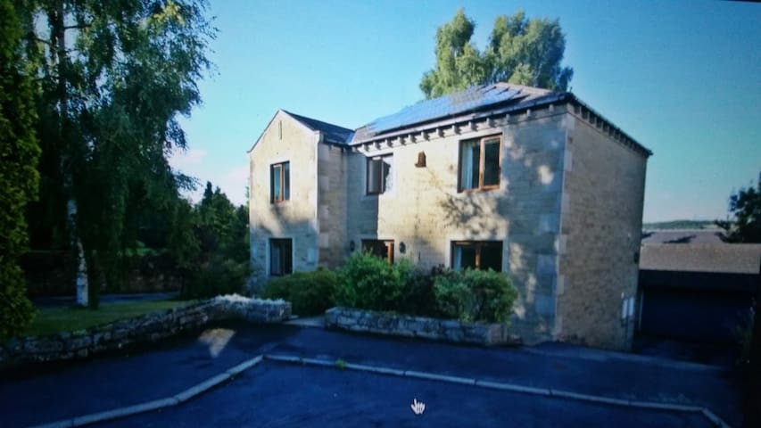 Spacious 4 bedroom detached house - Holmfirth - Haus