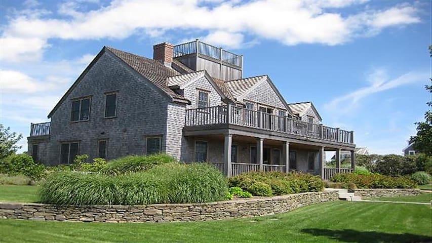 Custom Home with Beautiful Ocean View