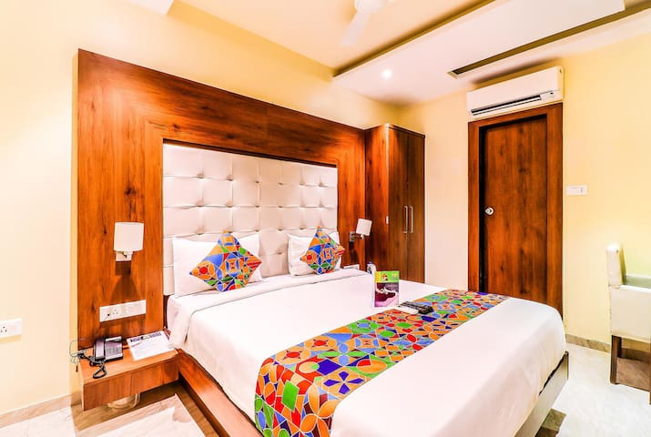 Colourful & Comfortable Executive  Rooms At Airport