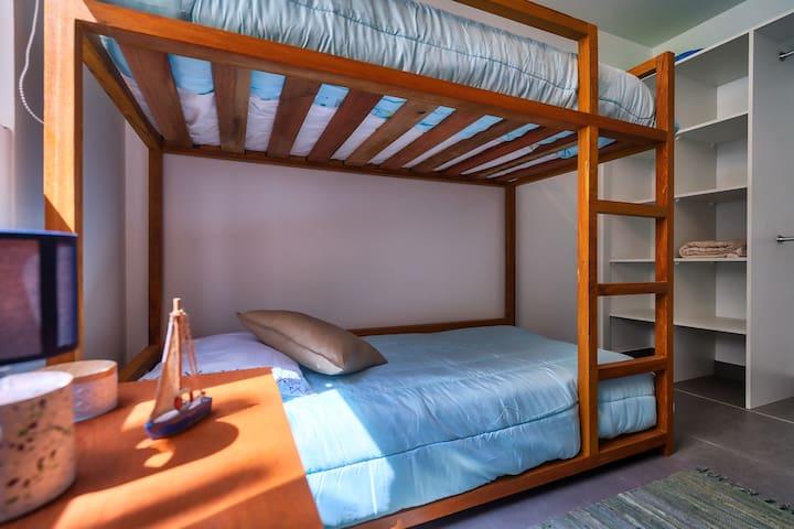 Dormitorio cuadruple, 2 camarotes