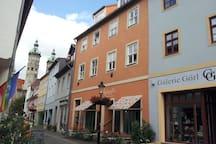 Unser Haus, mit Blick zum Dom, in der Fußgängerzone