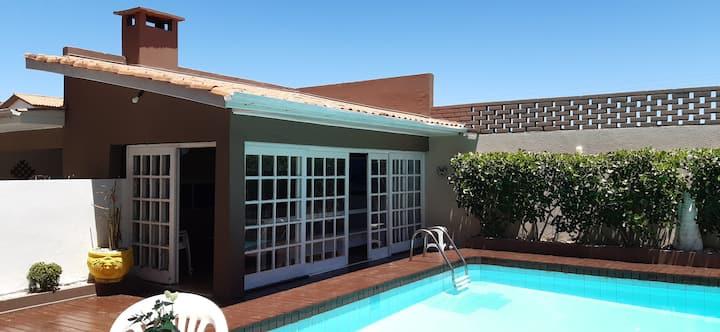 Apt. beiramar, piscina compartilhada garagem,wifi