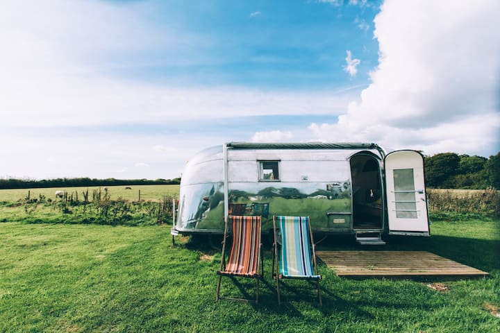 Vintage Airstream - iconic glamping