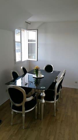 Bel appartement 2 pièces à louer. - Carrières-sous-Poissy - Квартира