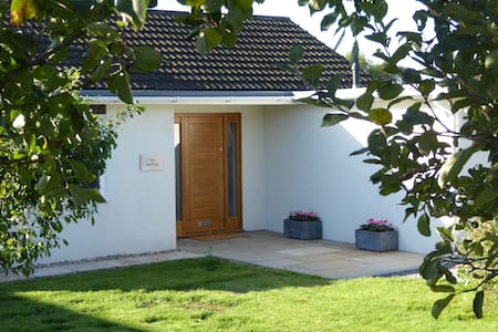 The Sheiling, stylish bungalow in quiet village