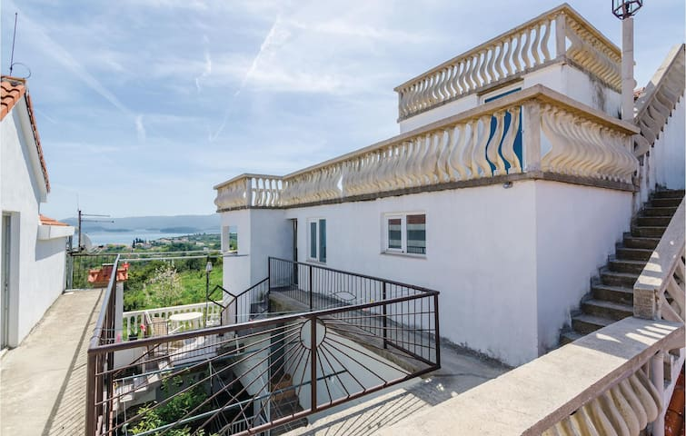 Holiday apartment with 2 bedrooms on 80m² in Sreser