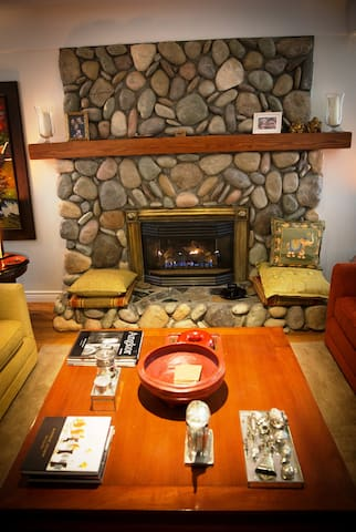 East Meets West, a 'Fusion B & B' & Wedding Venue - Sooke - Bed & Breakfast