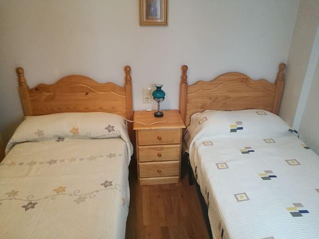 Habitación en amplio apartamento cerca de Segovia - Valverde del Majano - Appartement
