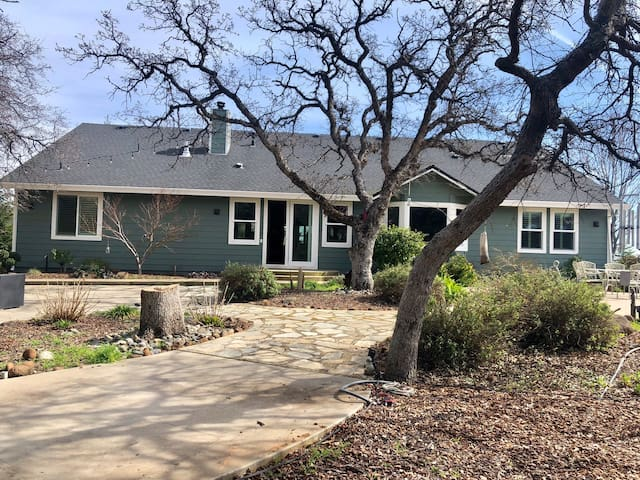 Beautiful home on 3 acres. 10 miles from downtown.