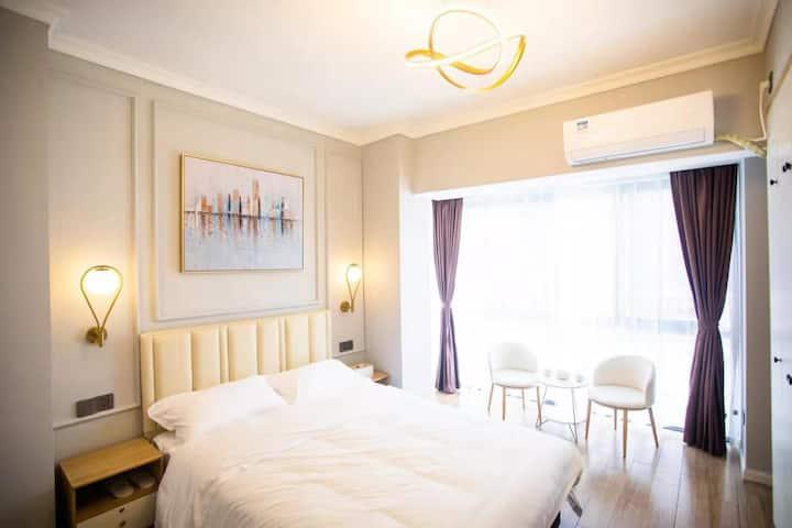 【棠叙轻酒店】全景大床间 | 高铁15分钟 丨高椅岭 | 东江湖 | 市三中 | 高尔夫球场体验