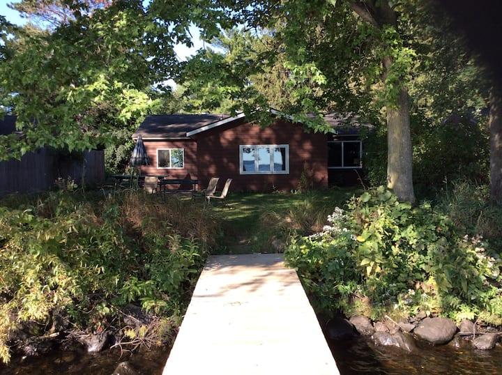 Birch Cabin-Hideaway Resort /30' from Lake Wissota