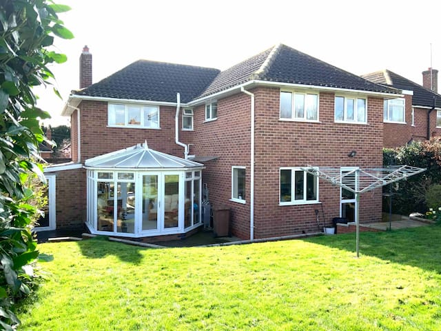 Lovely Detached House, Families/Dogs Welcome