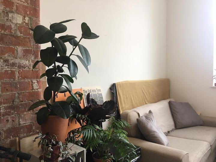 Modern,  bright apartment in Marina