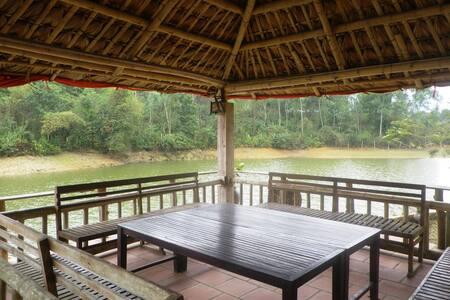 Lakeside House 1 in Hanoi Countryside - Thành phố Hòa Bình - Дом