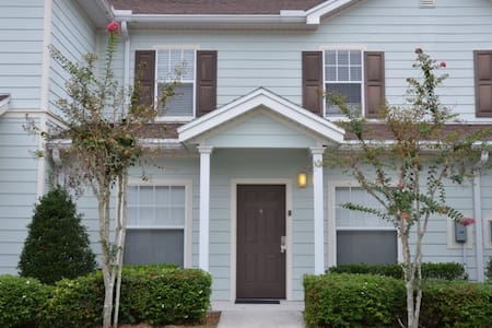 *Oct Special* at Lucaya 3 beds 2 baths ID:58644