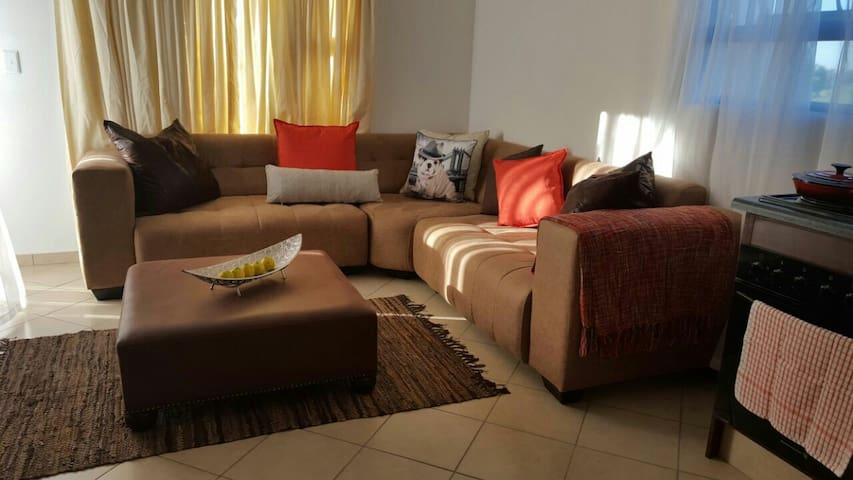 Homely apartment - Roodepoort - Apartament
