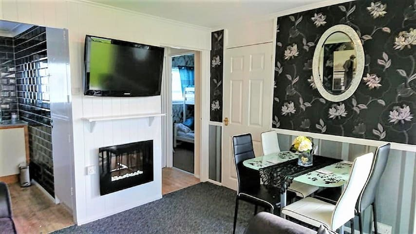 Family Chalet - nr beach, the Broads & Gt Yarmouth