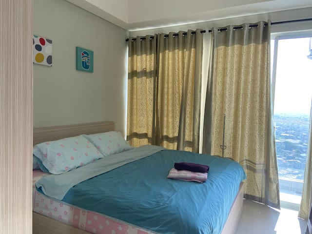 CLEAN&COZY Studio @ Puri Mansion Apartment + WIFI