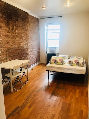 Private 3B Room in 4BR/2BA APT in Hell's Kitchen