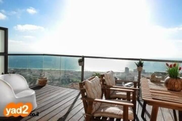 Vista estupenda al mar, luz natural, Haifa centro