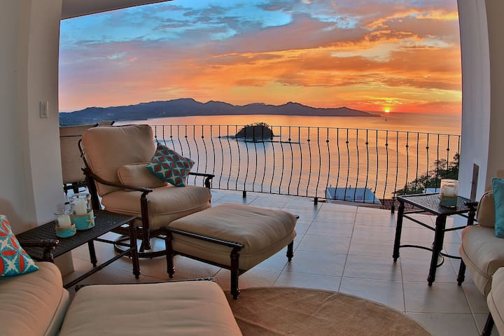 Breathtaking Ocean View Condo