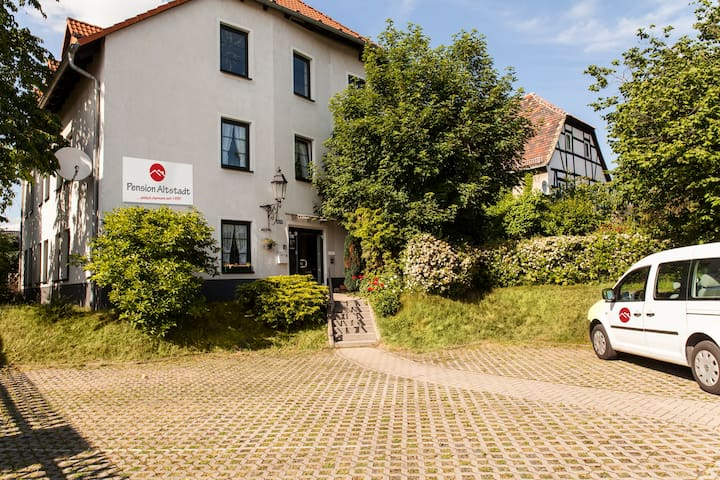 Pension Altstadt Borna - Borna - Bed & Breakfast