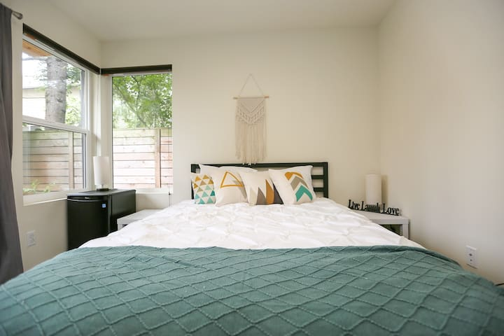 Modern North Seattle Suite