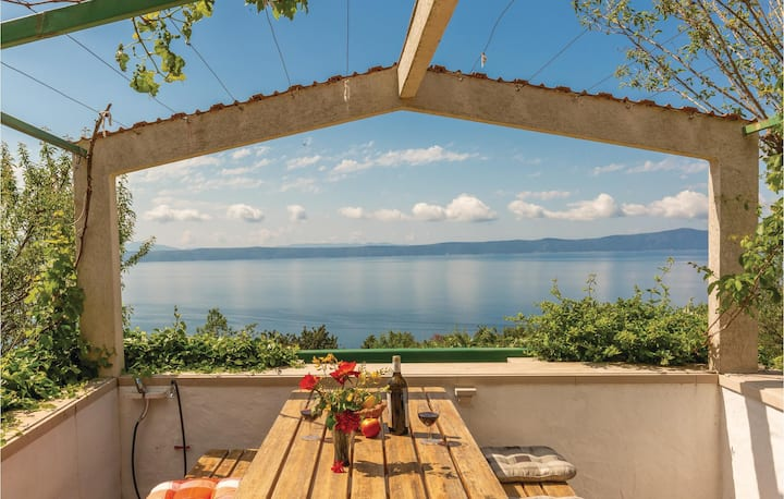 Nice home in Podgora with WiFi and 1 Bedrooms