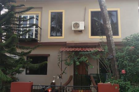 Private room in a villa @ Candolim - Vila