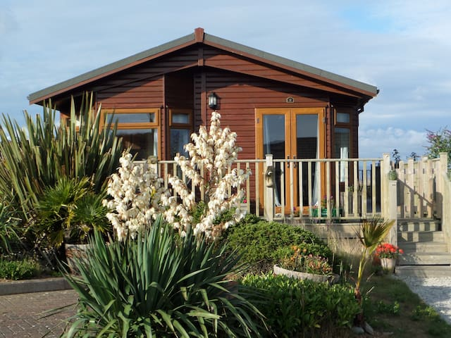 Sea View Lodge with panoramic views - Cornwall - 牧人小屋