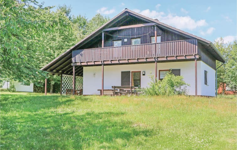 Holiday cottage with 3 bedrooms on 110m² in Thalfang