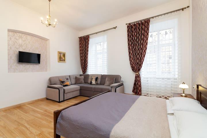 Apartment on Martovycha 12
