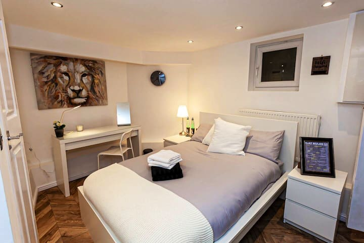 Luxuriously Furnished 1 Bed Flat - Leeds Sleeps 4