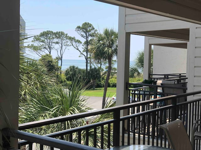 Newly Renovated Ocean View Villa, Hilton Head