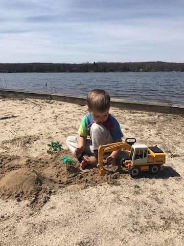 Digging Beach Time