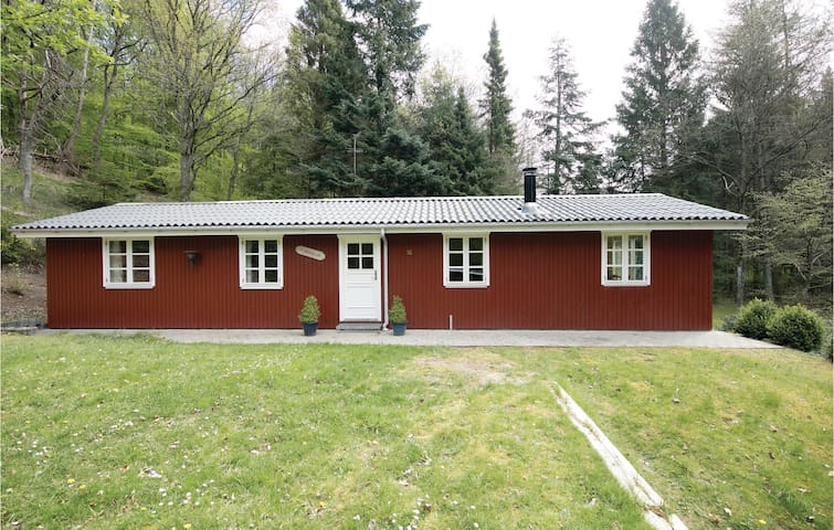 Holiday cottage with 3 bedrooms on 85m² in Gistrup