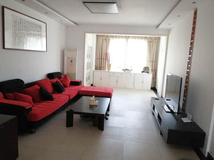 【江南豪庭】三室两厅(150平米)义乌小商品城、西班牙风情街、世纪花园、黄金国际附近