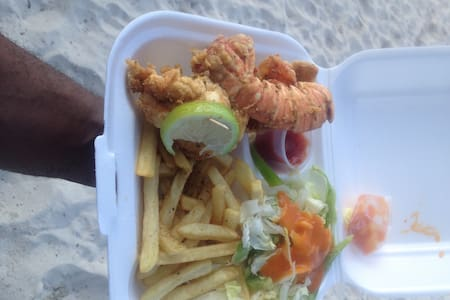 LOCATION BEACH + SUN + VEG + FOOD BEACH HOUSE  PR3 - Nassau