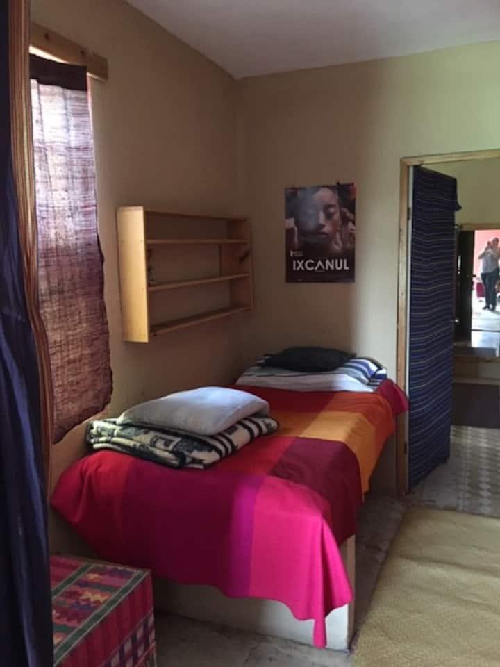 Apartamento completo para pareja o tres personas