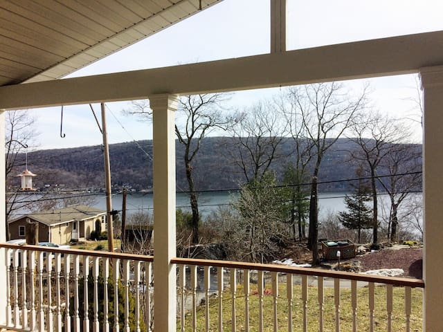 Modern lake retreat - stunning views! - Greenwood Lake - Ev