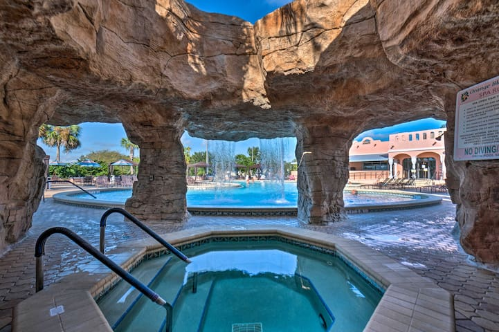 NEW-Villages Home in Country Club Hills-Golf, Pool