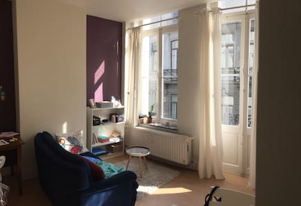 Cozy apartment with balcony in the best location - Ixelles